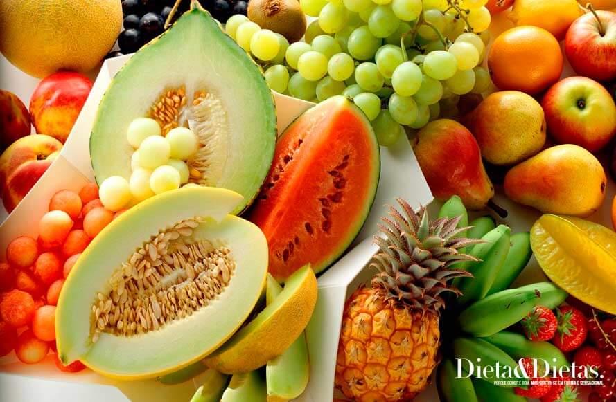 15 Alimentos Diuréticos que vão Acabar com o Inchaço Abdominal