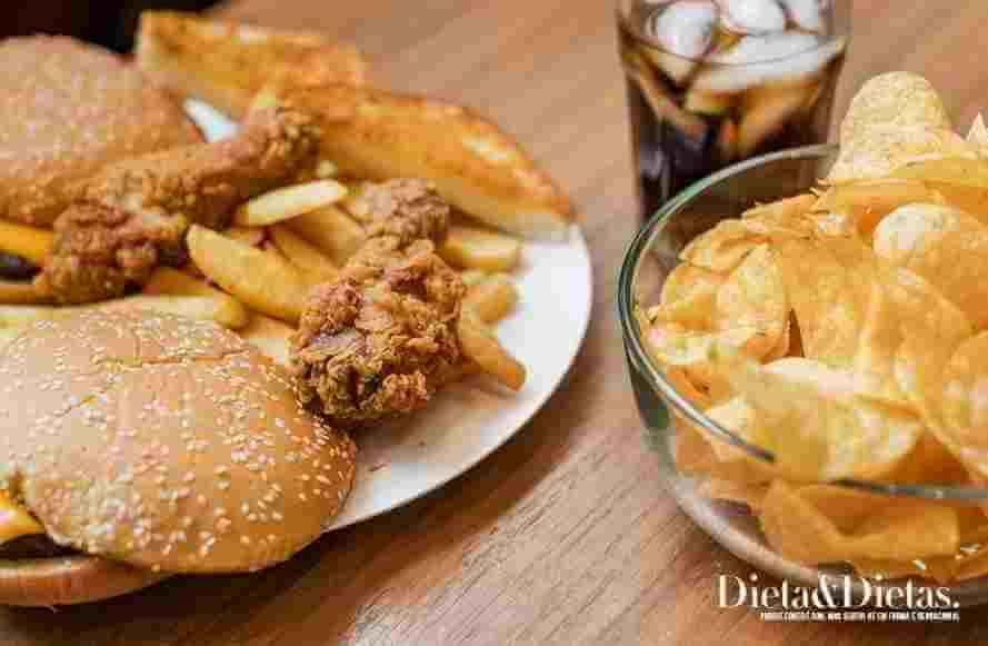 Os maus hábitos alimentares que provocam o colesterol