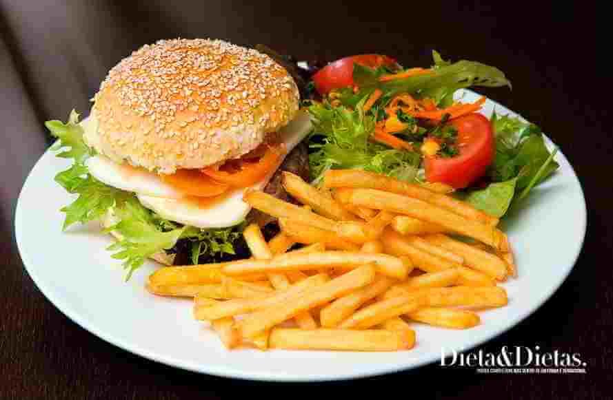Fique atento aos alimentos que contém muito sal e Provocam Pressão Alta