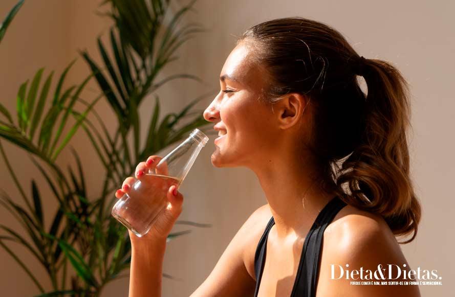 Beba água natural