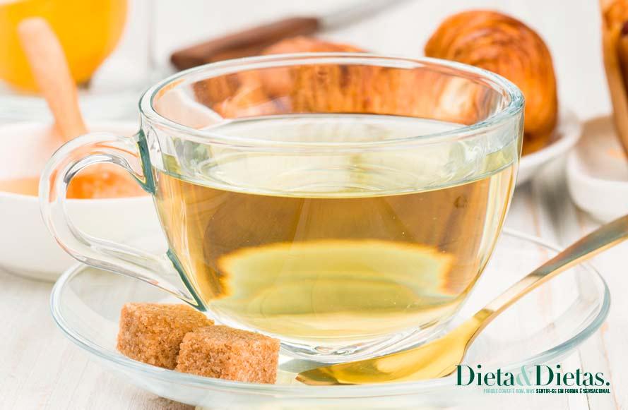 Chá branco mantem a pele jovem e saudável