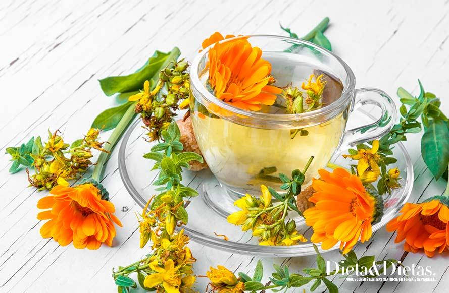 O chá de calêndula é rico em vitamina C
