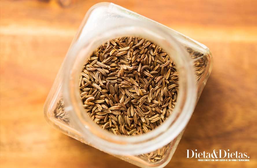 Chá de cominho para eliminar gases no estômago