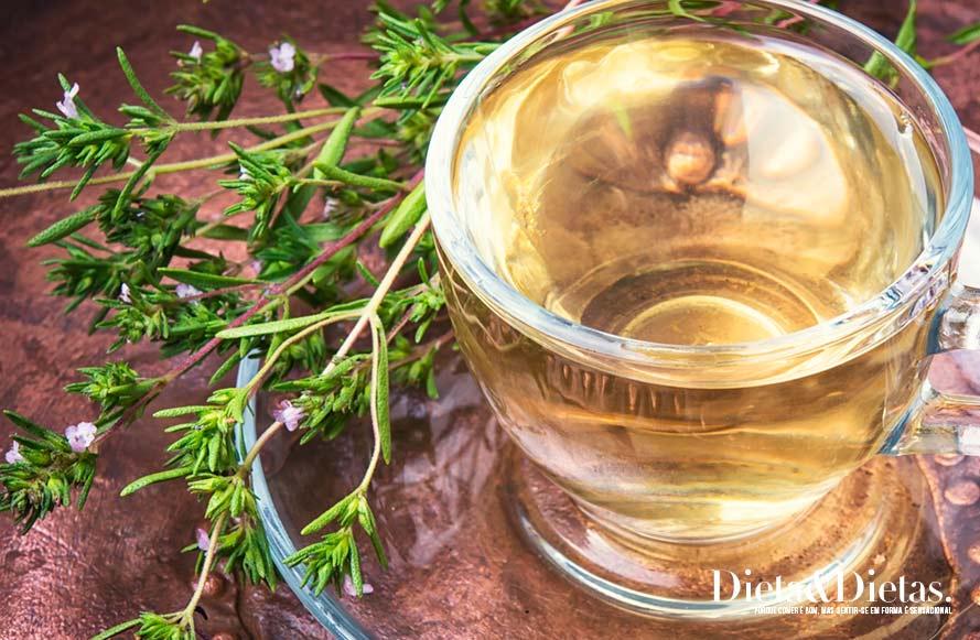 Os 10 benefícios do chá de erva doce para a saúde