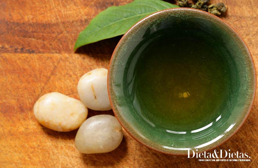 chá de capim santo Melhora a digestão